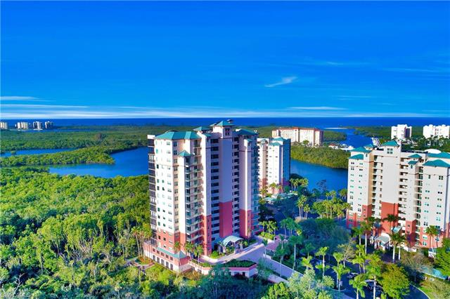 425 Cove Tower Dr 304, Naples, FL 34110