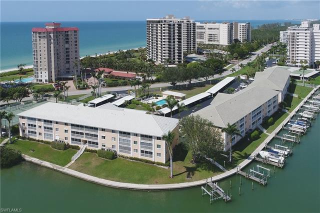 10682 Gulf Shore Dr C-301, Naples, FL 34108