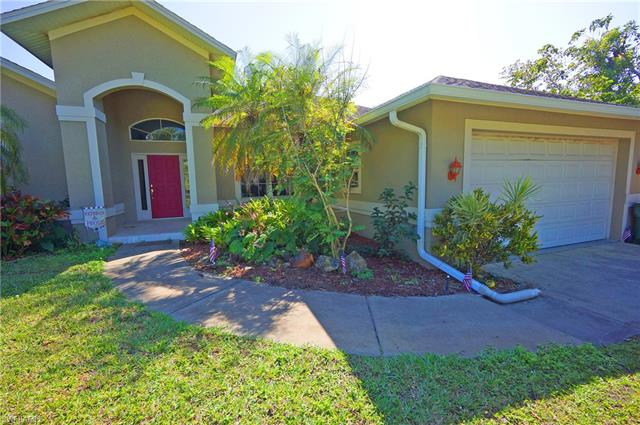 6226 Star Grass Ln, Naples, FL 34116
