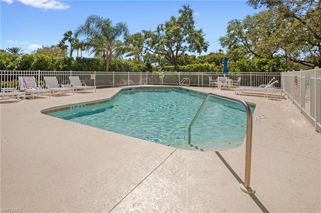 903 Fountain Run, Naples, FL 34119