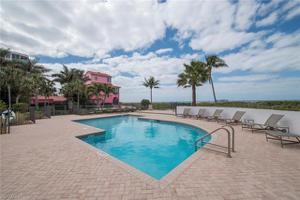 104 Kaula Ln, Bonita Springs, FL 34134