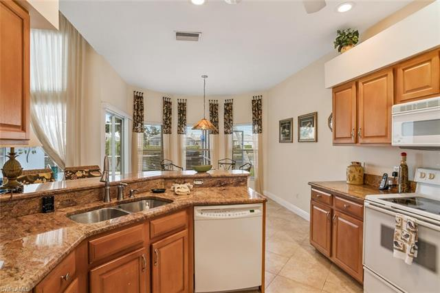 7115 Falcons Glen Blvd, Naples, FL 34113