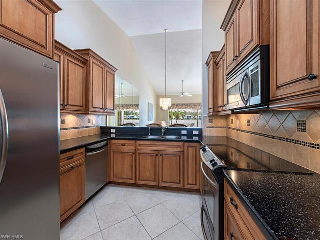 2900 W Crown Pointe Blvd 12-2, Naples, FL 34112