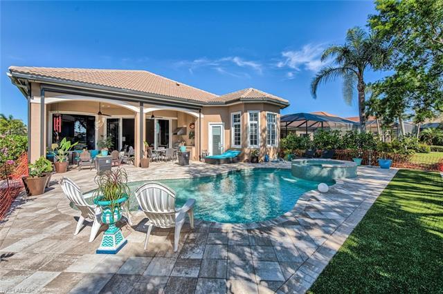 5890 Hammock Isles Cir, Naples, FL 34119
