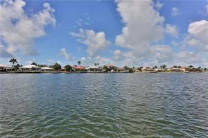180 Waterside Cir 201, Marco Island, FL 34145