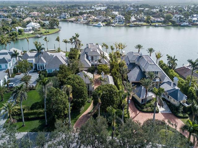 3753 Fort Charles Dr, Naples, FL 34102