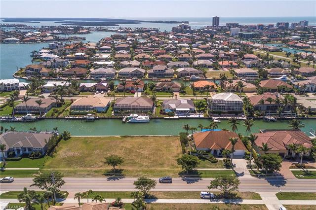 1211 Winterberry Dr, Marco Island, FL 34145