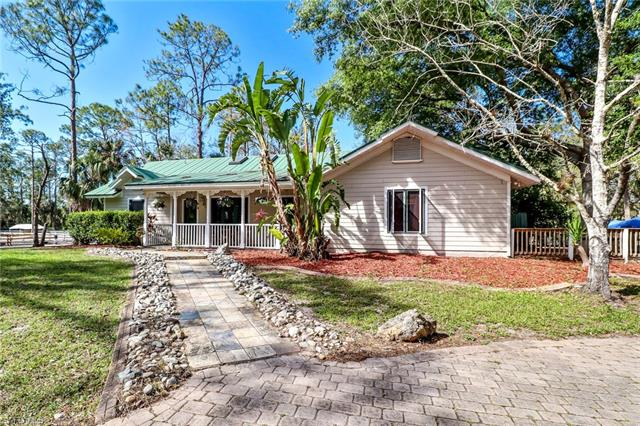 561 20th Ave Nw, Naples, FL 34120