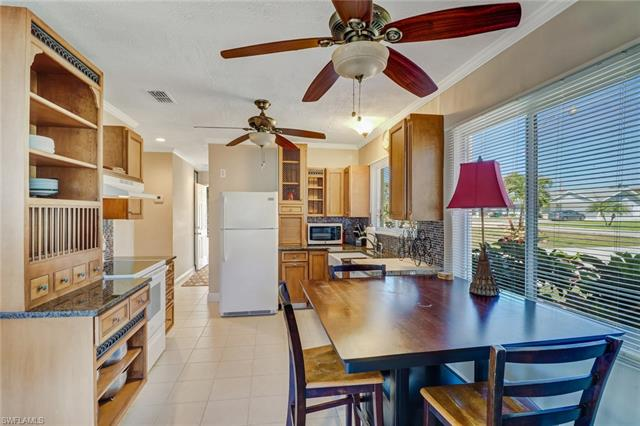 52 7th St, Bonita Springs, FL 34134