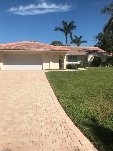 725 Parkview Ln, Naples, FL 34103