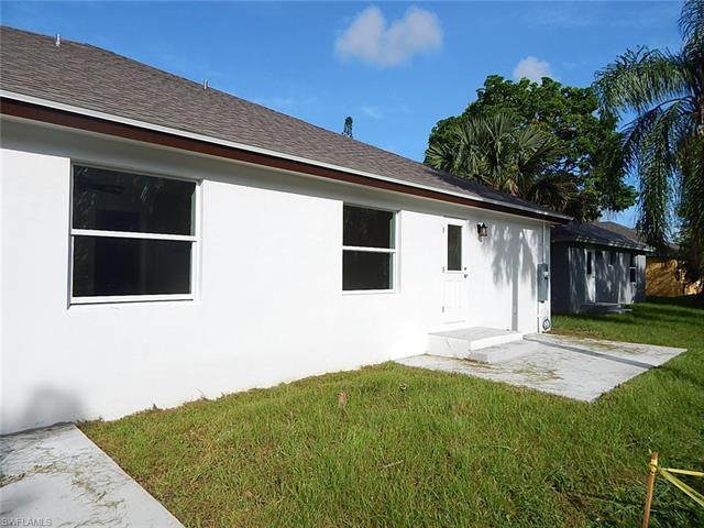 27740 Roslin Pl, Bonita Springs, FL 34135