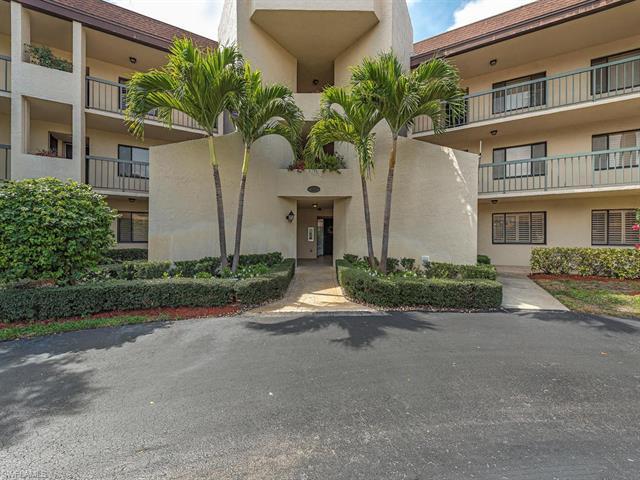 413 Augusta Blvd 105, Naples, FL 34113
