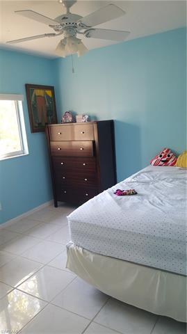 3770 8th Ave Ne, Naples, FL 34120