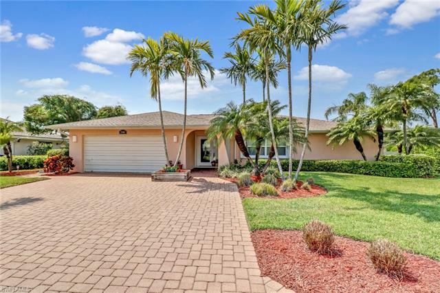 27060 Flossmoor Dr, Bonita Springs, FL 34135
