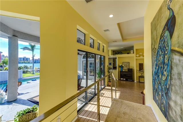 403 Oak Ave, Naples, FL 34108