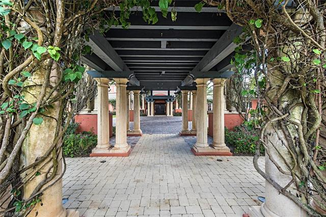 18131 Lagos Way, Naples, FL 34110