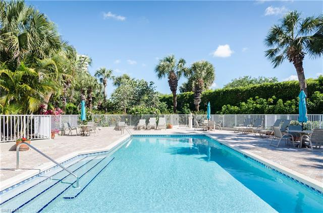 5899 Chanteclair Dr 215, Naples, FL 34108