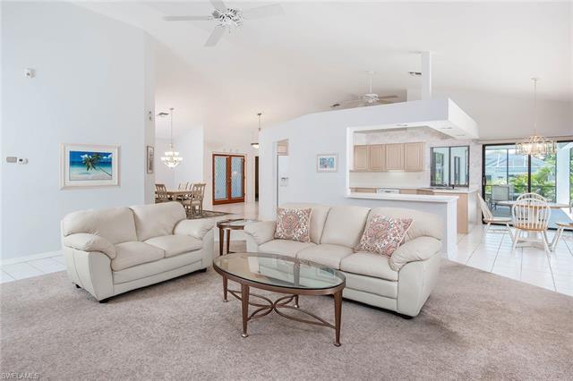3570 Crayton Rd, Naples, FL 34103