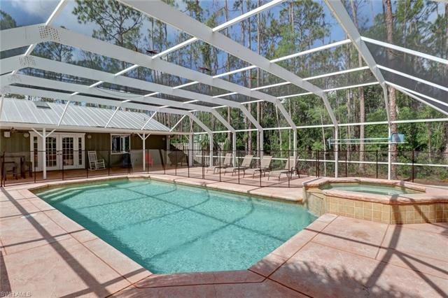 5971 English Oaks Ln, Naples, FL 34119