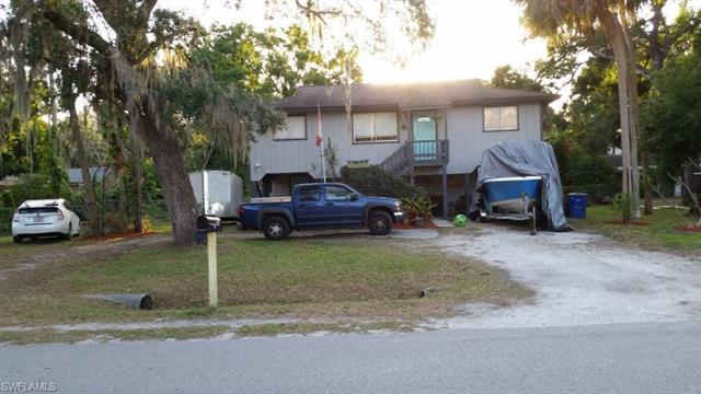 1589 Francis St, North Fort Myers, FL 33903