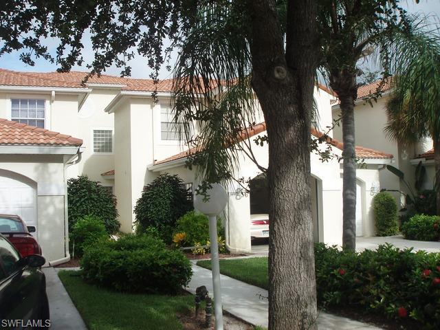 56 Silver Oaks Cir 14102, Naples, FL 34119