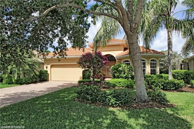 6893 Bent Grass Dr, Naples, FL 34113