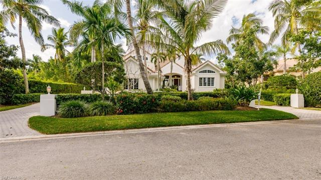 2540 Half Moon Walk, Naples, FL 34102