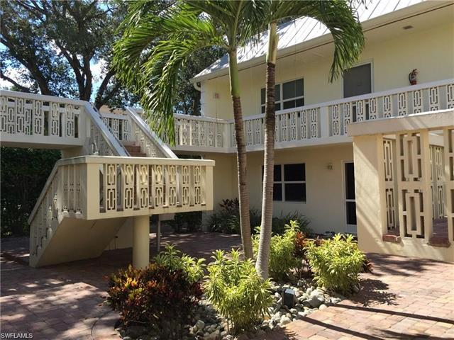 780 10th Ave S 5, Naples, FL 34102