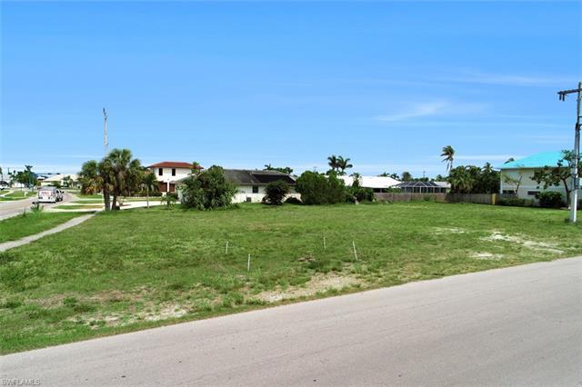 397 Century Dr, Marco Island, FL 34145