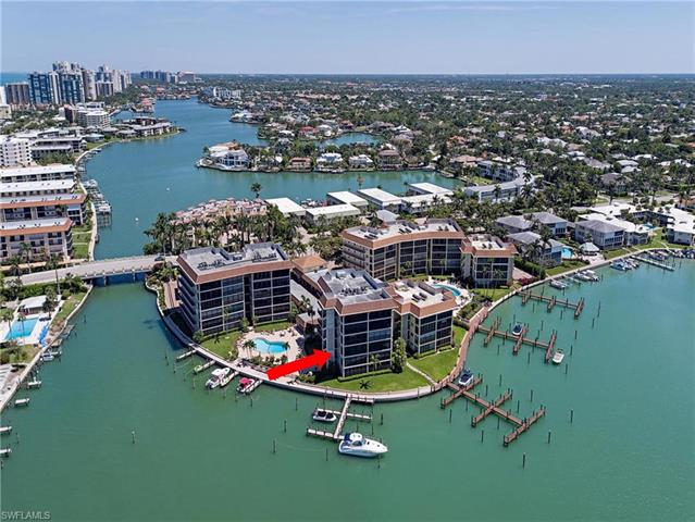 222 Harbour Dr 303, Naples, FL 34103