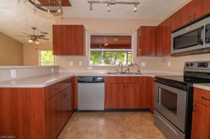 1106 2nd Pl, Cape Coral, FL 33909