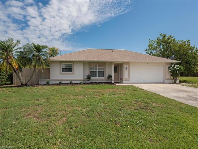 1221 18th Ter, Cape Coral, FL 33991