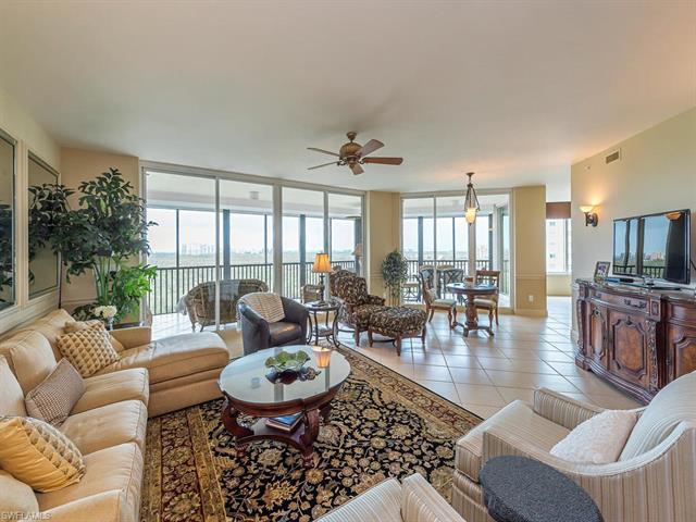 445 Cove Tower Dr 1003, Naples, FL 34110