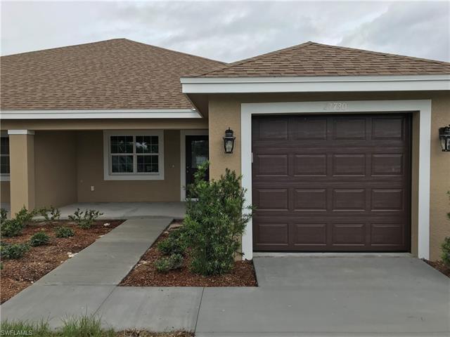 27730 South Roslin Pl, Bonita Springs, FL 34135