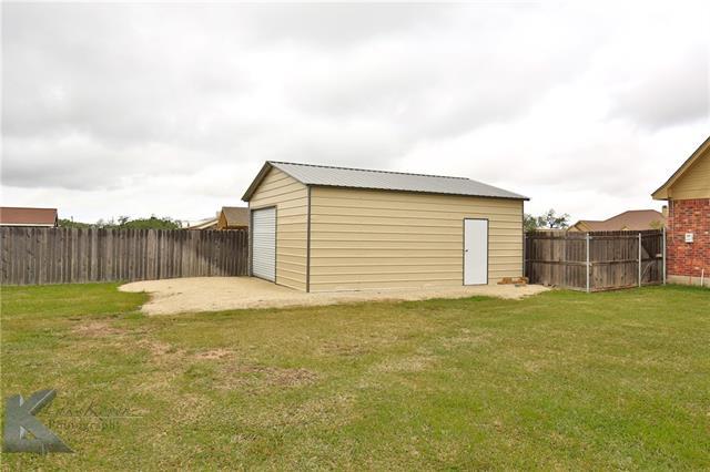 417 Apple Blossom Dr, Abilene, TX 79602