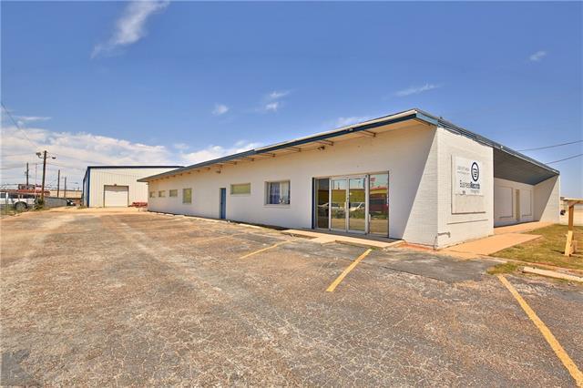 118 N Pioneer Dr, Abilene, TX 79603