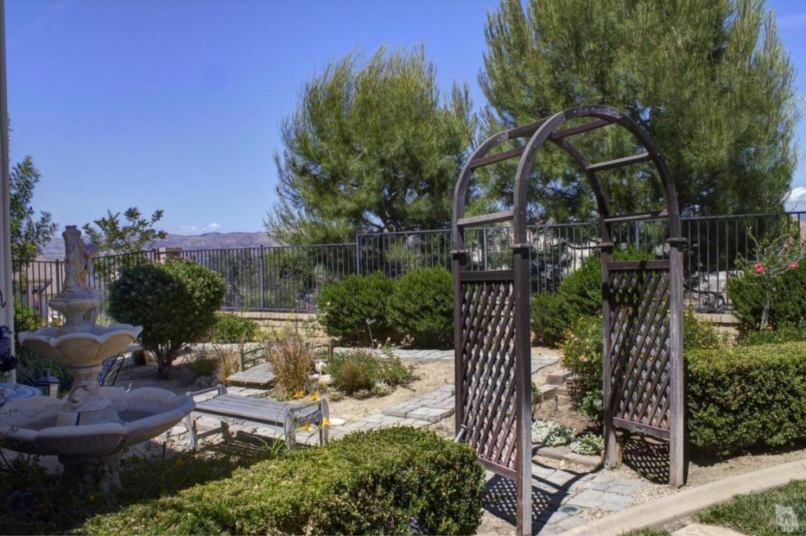 742 Camden Vista Court, Simi Valley, CA 93065
