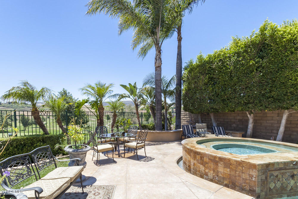 950 Firestone Circle, Simi Valley, CA 93065
