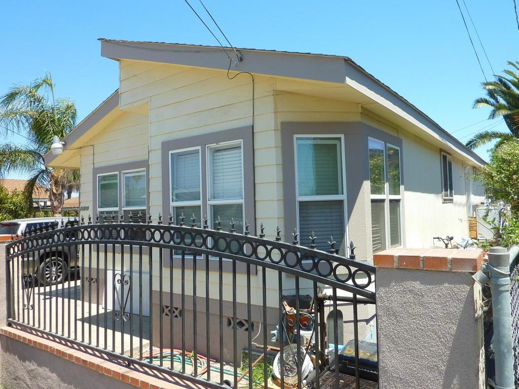 11219 Azahar Street, Ventura, CA 93004
