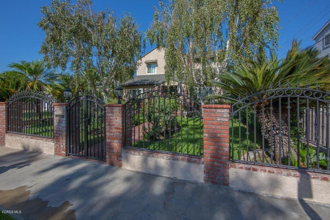 1121 N Griffith Park Drive, Burbank, CA 91506