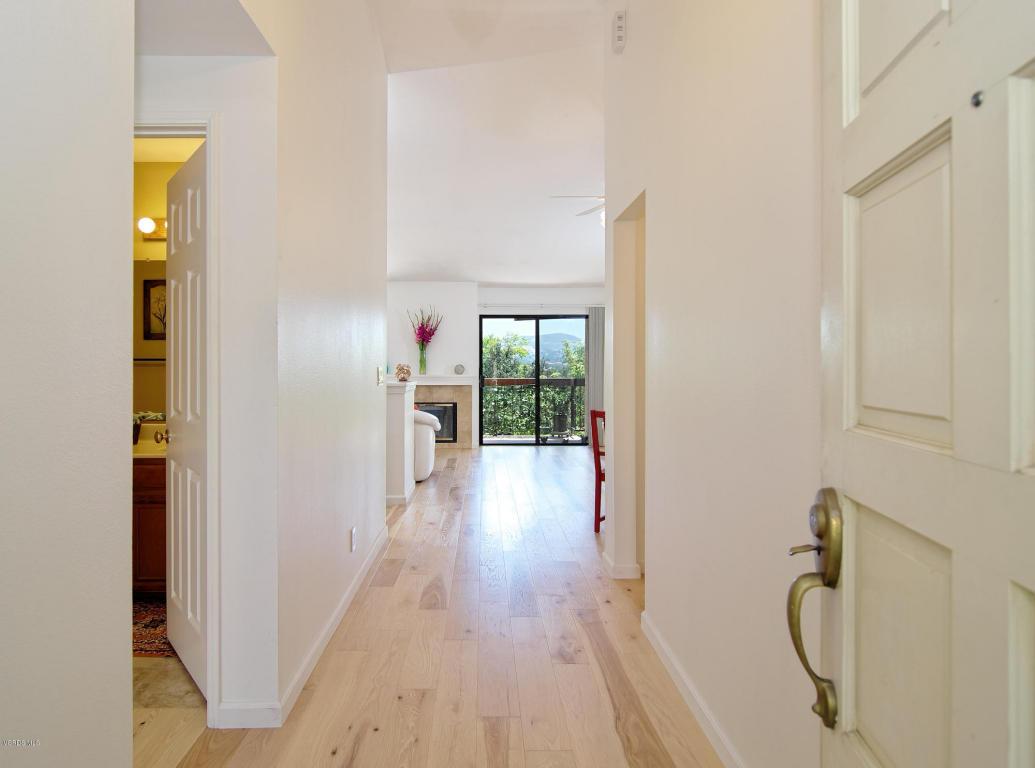 885 Warwick Avenue, Thousand Oaks, CA 91360