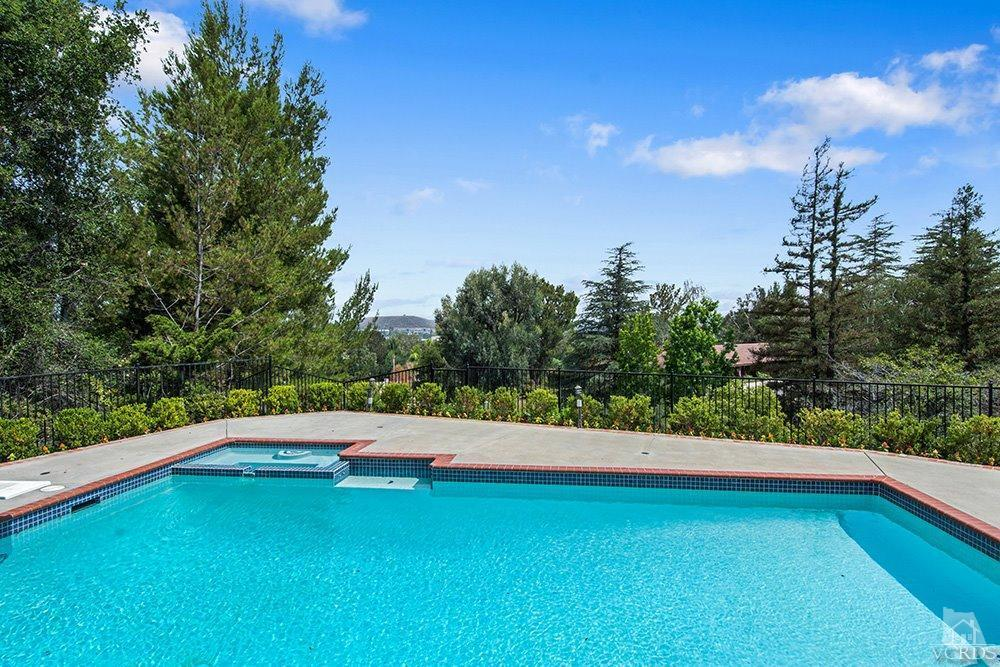 38 Inverness Road, Thousand Oaks, CA 91361