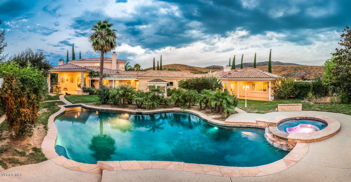 608 Hailey Court, Simi Valley, CA 93065