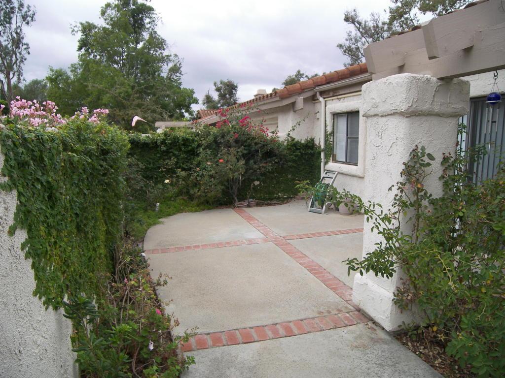 633 Greenmeadow Lane, Newbury Park, CA 91320