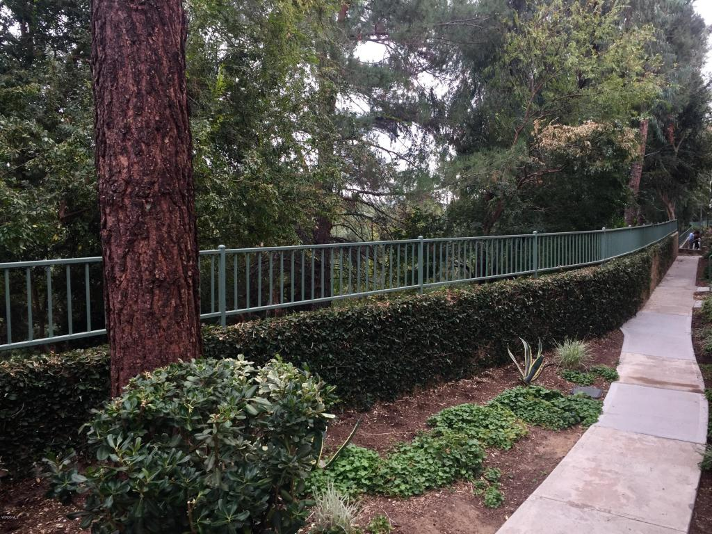578 Water Oak Lane, Oak Park, CA 91377