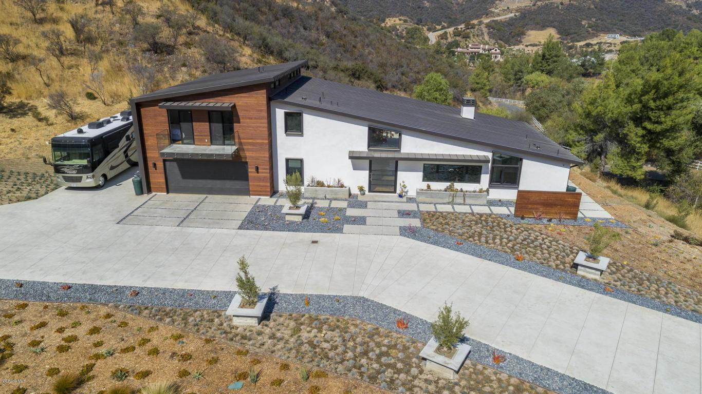 31830 Lobo Canyon Road, Agoura Hills, CA 91301