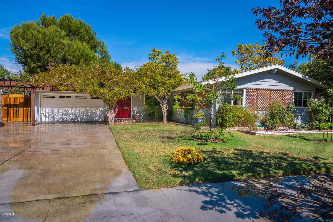 22319 Wyandotte Street, Canoga Park, CA 91303