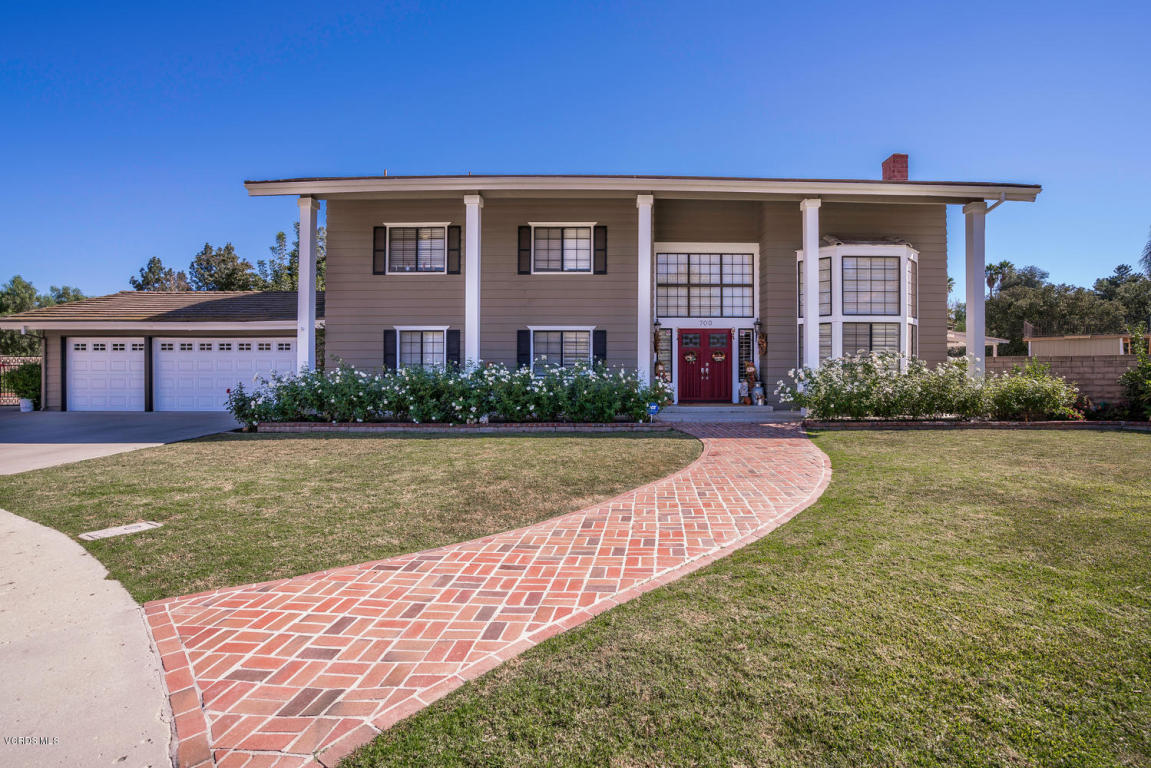 700 Larkdale Court, Simi Valley, CA 93065