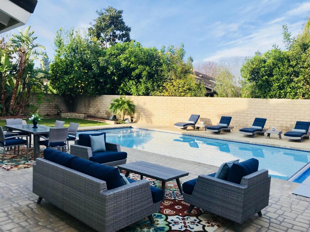 3259 Heatherglow Street, Thousand Oaks, CA 91360