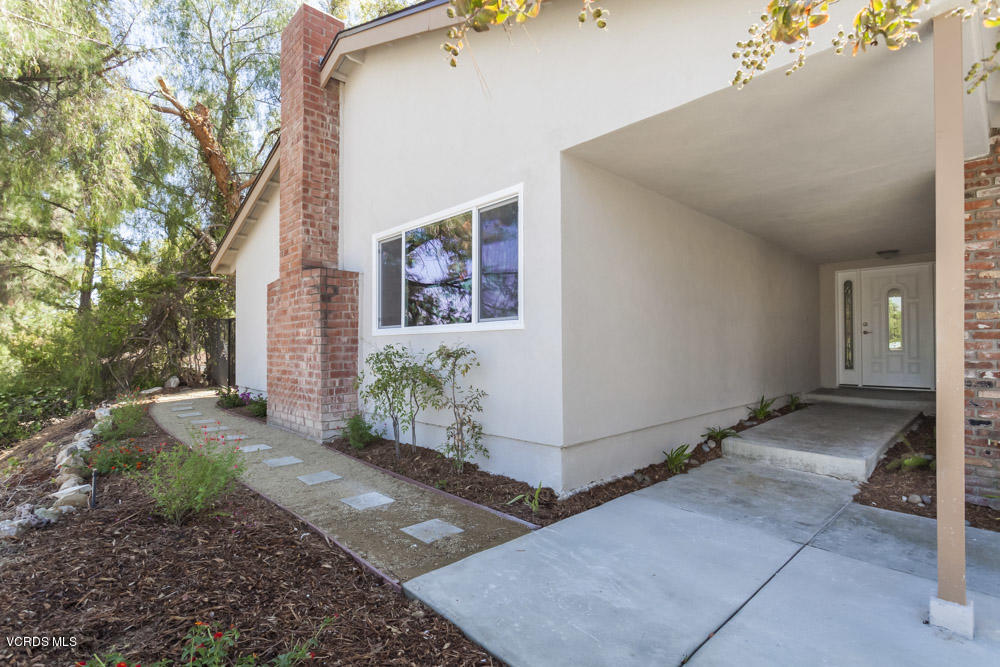 9000 Hanna Avenue, West Hills, CA 91304